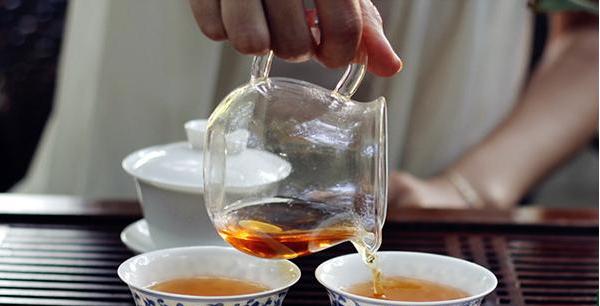红茶最好用玻璃杯来冲泡